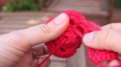 Cómo hacer una flor de ganchillo | How to make a crochet flower