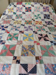 Pretty Pinwheel Quilt Hand Quilted Vintage 1945-50 with Provenance.