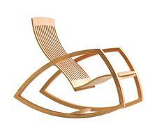 Cadeiras de balanço de roupa nova. As novas versões em madeira não seguem uma tendência sendo encontradas em versões com desenho mais delgado, deixando a cadeira com linhas mais leves...