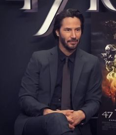 """Keanu 💞❤️💞💋 MY. LOVE, my soulmate, & heart. """"Perhaps the very fabric of you is so very familiar, that we are woven from the same thread"""". I want the last thing I hear to be you whispering my name. Keanu Reeves John Wick, Keanu Charles Reeves, Robert Kiyosaki, Tony Robbins, Keanu Reaves, Kai, Ideal Man, Famous Men, Attractive People"""