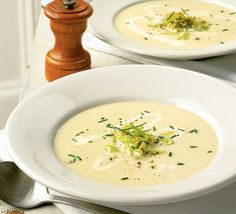 Of the winter soups, leek and potato is one of the most comforting and familiar - and Darina Allen's makes the most of seasonal, local veg soup soup soup healthy recipes froide legumes minceur potimarron Cream Of Potato Soup, Potato Leek Soup, Cream Soup, Cream Cream, Onion Soup, Sour Cream, Bbc Good Food Recipes, Soup Recipes, Healthy Recipes