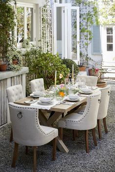 home homeware guide al fresco style visi Holiday Weather, Dining Chairs, Dining Table, Co Uk, Gala Dinner, Al Fresco Dining, Organic Shapes, Inspirational Gifts, Lighting Design