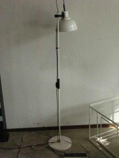 Staande vloerlamp wit - € 5,00