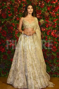 Amitabh Bachchan, Ambanis , SRK , Kareena And Others Grace Starry Wedding Reception Of Deepika Padukone And Ranveer Singh - HungryBoo Indian Bridal Outfits, Indian Fashion Dresses, Dress Indian Style, Indian Designer Outfits, Bridal Dresses, Indian Bridal Fashion, Indian Lehenga, Indian Gowns, Indian Attire