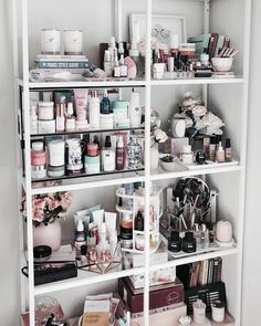 Have a shelfie. Have a shelfie. Makeup Beauty Room, Makeup Rooms, Makeup Geek, Makeup Organization, Room Organization, Perfume Organization, Diy Makeup Storage, Makeup Drawer, Sala Glam