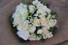 Ivory and white mix. www.wanakaweddingflowers.co.nz/gallery.php