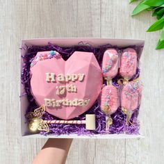Candy Birthday Cakes, Birthday Chocolates, Birthday Desserts, Heart Shaped Chocolate, Chocolate Hearts, Chocolate Bomb, Imagenes Color Pastel, Custom Fortune Cookies, Pinata Cake