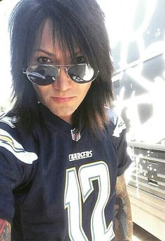 (F.c. ashley purdy) Hey im Ashley. I'm 19 years old and single. Im in a band called Black Veil Brides. i love to play the guitar. I'm preety flirty...but im lookin for a match come and say hai if ya wanna *i wink and smirk*
