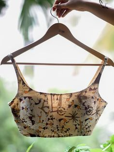 Sari Blouse Designs, Fancy Blouse Designs, Designer Blouse Patterns, Choli Designs, Blouse Styles, Saree Blouse, Choli Dress, Sexy Blouse, Indian Fashion Dresses