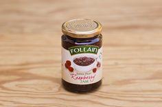 Himbeermarmelade von Follain, Follain ist einer der bekanntesten und beliebtesten Produzenten und stellt seine Marmeladen aus 100% natürlichen Zutaten nach alten irischen Rezepten her, ohne Geschmacks- Farb- und Konservierungsstoffe. Die Marmeladen werden für maximale Frische in hochwertigen Gläsern vakuumverpackt. Die Firma ist im Zentrum des landwirtschaftlich geprägten West Cork ansässig, die Qualität ist die von hausgemachten Produkten.