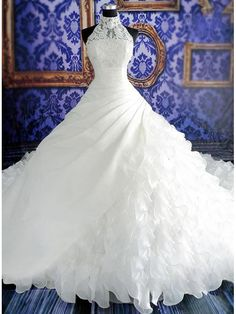 Plus Size Wedding Dresses come in a variety of styles, colors & silhouettes. This elegant wedding dress is a perfect match for the wedding dreamy atmosphere. Purchase the plus size wedding dress of your dreams! How To Dress For A Wedding, Wedding Dress Train, Classic Wedding Dress, Wedding Gowns, Wedding Venues, Wedding Shoes, Lace Wedding, Church Wedding, Wedding Coordinator