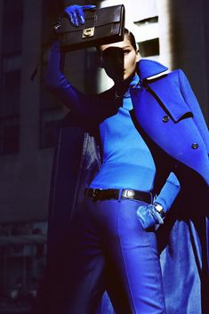 Same hue Bruna Tenório by Txema Yeste for Marie Claire US September 2012 Marie Claire, Rock Style, My Style, Blue Style, Curvy Style, Suit Fashion, Blue Fashion, Curvy Fashion, Fashion Bags