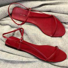 Shoes Flats Sandals, Cute Sandals, Flat Sandals, Cute Shoes, Leather Sandals, Me Too Shoes, Gladiator Sandals, Sock Shoes, Summer Shoes