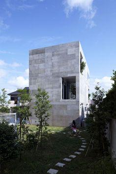 "NDA  ""PLANTER"" single family house  Yokohama / Japan / 2012    no.555 Architectural Design Office"