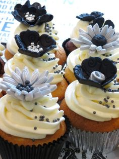 Black & Silver Flower Cupcakes