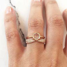 EVA FEHREN Engagement and Kissing Claw rings (Instagram: @evafehren)
