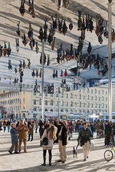 Reflective Pavilion in Marseille // ¿Una instalación que haría muy feliz a Christopher Nolan? #Inception#Habitat