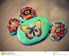 Resultado de imagen para como pintar ramos de flores en piedras decorativas
