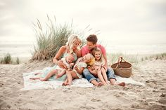 Borders Family :: {Cannon Beach, Haystack Rock, Lifestyle Family Photographer} » Velvet Owl Photography Blog