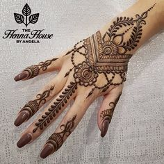 henna designs From weddings to engagements, from festivals to parties, here are 101 latest mehendi designs for 2019 for all occasions. Discover some chic new mehndi trends! Henna Tattoo Designs Simple, Mehndi Designs For Beginners, Mehndi Designs For Girls, Unique Mehndi Designs, Wedding Mehndi Designs, Mehndi Design Images, Henna Designs Easy, Beautiful Henna Designs, Indian Henna Designs