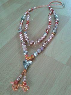 Beautyful nacklace.