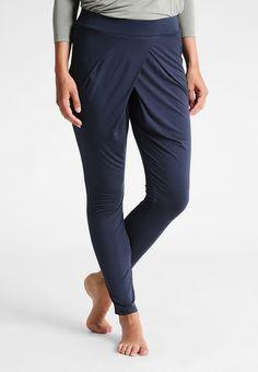Köp  Curare Yogawear Träningsbyxor - nightblue för 455,00 kr (2017-10-03) fraktfritt på Zalando.se