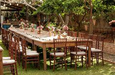 Mesa longa para a família dos noivos - Casamento Flávia de Moraes e Fabrício Lima