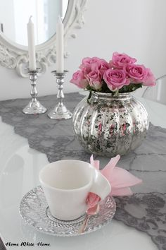 Valentine´s day. Pink tablesetting.