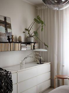 Scandinavian Bedroom, Scandinavian Interior Design, Interior Design Inspiration, Home Decor Inspiration, Home Bedroom, Bedroom Decor, Ikea Malm Dresser, Best Ikea, Ikea Ideas