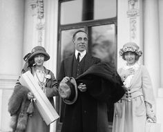 "sweetheartsandcharacters: "" Director D.W. Griffith flanked by the Gish sisters, Dorothy and Lillian. """