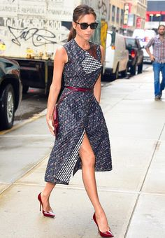 Victoria Beckham's Street Style is Always So Chic!: Photo Victoria Beckham hits the town in a gorgeous red dress on Tuesday morning (June in New York City. The evening before, the fashion designer attended… Style Victoria Beckham, David Et Victoria Beckham, Victoria Beckham Outfits, Beauty And Fashion, Fashion Looks, Womens Fashion, Vic Beckham, Viktoria Beckham, Victoria Fashion