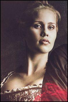 Rebekahpromo Vampire Diaries Spin Off, Vampire Diaries The Originals, Miss Claire, Claire Holt, The Originals Rebekah, Charles Michael Davis, Beautiful Series, Original Vampire, Space Girl
