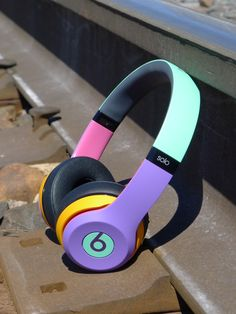 Best headphone with Bluetooth for you Under Rs 1000 Cute Headphones, Girl With Headphones, Custom Beats, Accessoires Iphone, Macbook, Iphone Accessories, Electronic Devices, Bluetooth Headphones, Apple Products