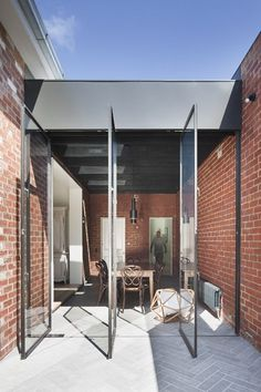 Paving inside outside. St Kilda East House - Clare Cousins Architects