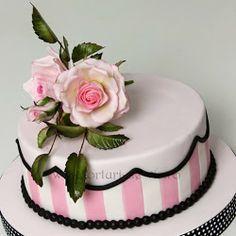 beautiful single layer cake   Torturi - Viorica's cakes More