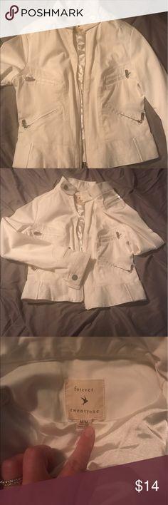 Medium white fitted short jacket Super cute short white jacket dress it up or casual Jackets & Coats
