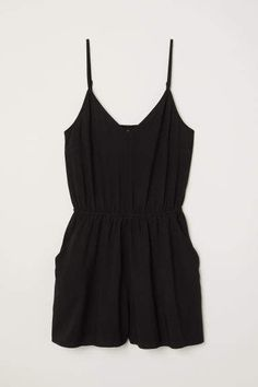 Playsuit in a viscose weave with a V-neck, narrow, adjustable shoulder straps, an elasticated seam at the waist and front pockets. Black Jumpsuit, Summer Outfits, Casual Outfits, Cute Outfits, Fashion Outfits, Black Playsuit, Playsuit Romper, Short Noir, Feminine Fashion