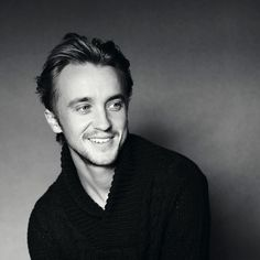 1065 Best *-* images in 2017 | Tom hiddleston, Actor