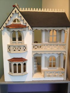 Doll house in Old White and Country Grey