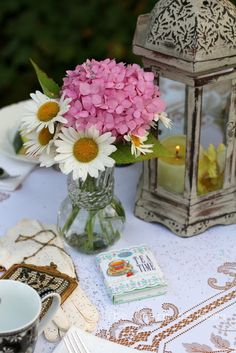 Mad Tea Party '15:The Charm of Home #sponsored