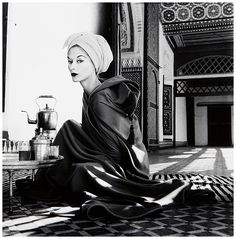 (1)Icon Lisa Fonssagrives in robe by Jean Dèsses, La Bahia Palace in Marrakech, Morocco, 1951, Photo Irving Penn published in Vogue, January 1952