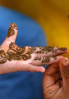 Henna Tattoo Party