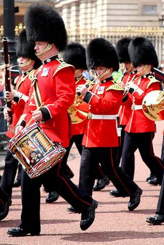 Changing of the Guards @ Buckingham Palace - London, England