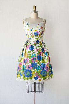 ADORED VINTAGE: A Vintage Shop Update   Vivid Fields   Dammit, I really REALLY want a frock like this!!!