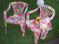 10 Fun and Easy Upcycle Ideas to enjoy in the sunshine. From DIY sandals to, projects for your broken garden hose, beach balls and sunglasses. Decoupage On Canvas, Decoupage Furniture, Paint Furniture, Furniture Projects, Diy Projects, Funky Painted Furniture, Painted Chairs, Refurbished Furniture, Chair Makeover
