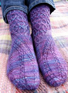 Slipstream sock: Knitty Spring+Summer 2013. Free Knitted Sock Pattern.