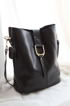 Womens black leather satchel bag