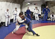 BJJ Brown belt grad sparring