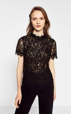 Oh, ist das Spitzentop vom LabelSelf-Portrait? Nein – ganz günstig von Zara, für ca. 17,95 Euro.
