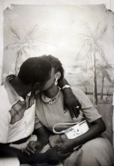 THIS KISS An unidentified African American couple sharing an intimate moment. Black History Album: The Way We Were. 100 Years of African American Vintage . Couples Vintage, Vintage Kiss, Vintage Black Glamour, Vintage Love, Vintage Photos, Black Love, Black Is Beautiful, Angela Davis, Black Couples